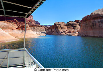 Boat with a View - This houseboat has a view Beautiful...