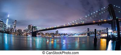 Manhattan bridge at dusk, New York City.
