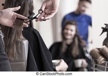 Cutting long hair - Female client wants to have short hair