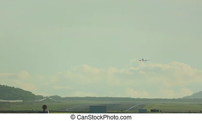 Airbus 320 approaching - Airbus 330 approaching before...