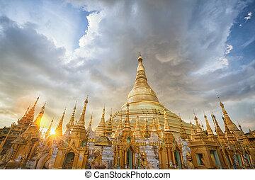 Myanmar view of Shwedagon Pagoda