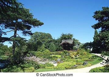 Japanese gateway, kew, London, UK - Royal Botanic Gardens,...