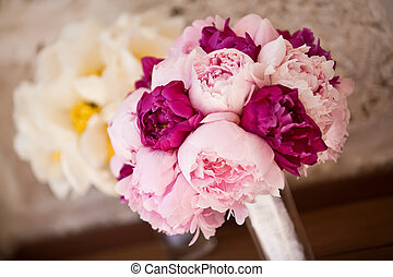 Bridal bouquet - Lovely bridal and bridesmaid bouquets..