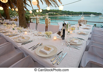 Tables by the waters edge - Table outside for a wedding...