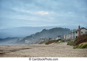 Pretty houses and people near sea in USA - Marvelous Cannon...
