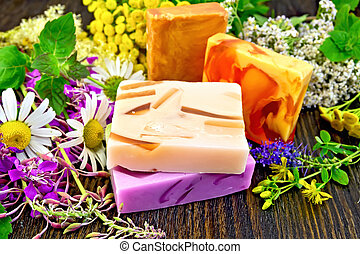 Soap homemade with flowers on board - Four multi-colored bar...