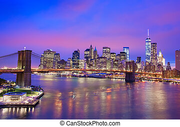 New York City night view - Night view of Brooklyn Bridge and...