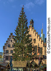 Christmas tree in front of the town hall, Frankfurt -...