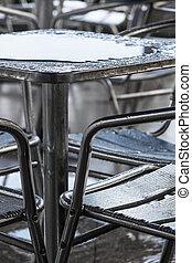 テーブル, 水たまり, 雨