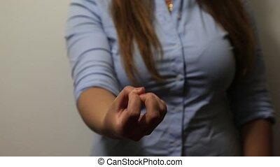 Hand opening in gesture