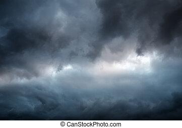 dramático, cielo, con, Oscuridad, nubes,
