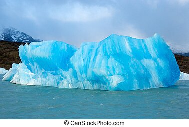 Blue iceberg - Iceberg on Lago Argentino