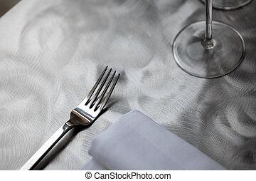 桌子, 晚餐