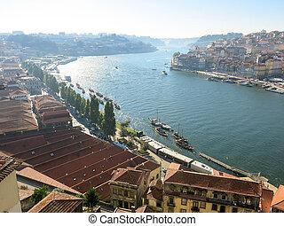 Douro River, Porto - PORTO, PORTUGAL - AUG 20, 2013: View...