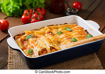 Meat cannelloni sauce bechamel