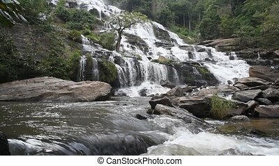 Mae Ya waterfall. - Mae Ya waterfall in Doi Inthanon...