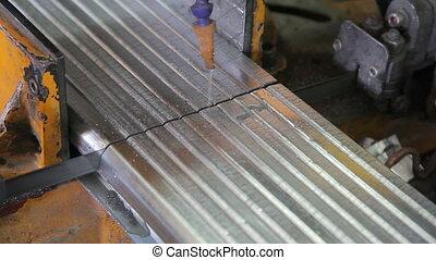 Cutting metal profiles for metal windows HD