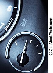 Empty gauge - Detail of an empty gauge with a pointing...