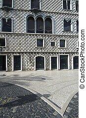 facade - House of Diamond-shaped Spikes, Casa dos Bicos, in...