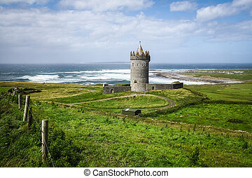 Doonagore Castle in Ireland - Doonagore Castle in County...