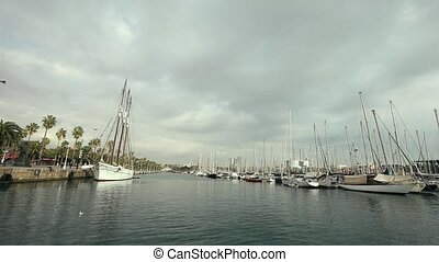 Passing Luxury Super Yachts in The Harbour - Passing Luxury...