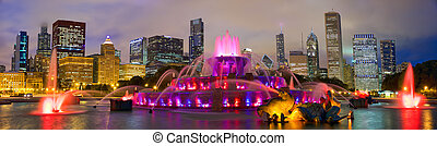 Chicago skyline and Buckingham Fountain - Chicago skyline...