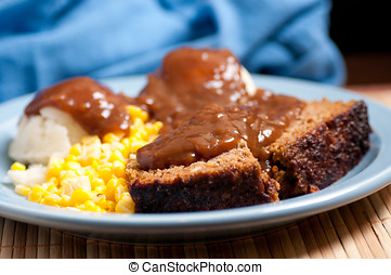 meatloaf with mashed potatoes and gravy - delicious meatloaf...