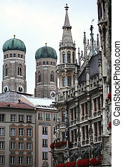 Marienplatz in Munich, German - The Golden statue of Mary...