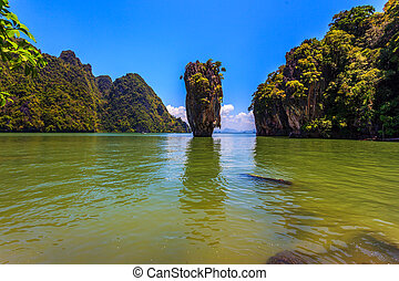 Islands in the Andaman Sea - Freakish islands in the Andaman...