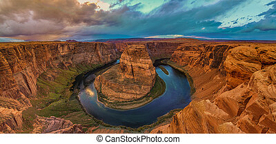 Nice Image of Horseshoe Bend - Amazing Sunset Vista of...