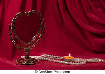 Valentines day card - Mirror in the form of heart, pearly...