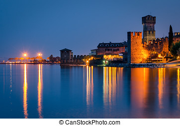 Sirmione (Lago di Garda) at twilight