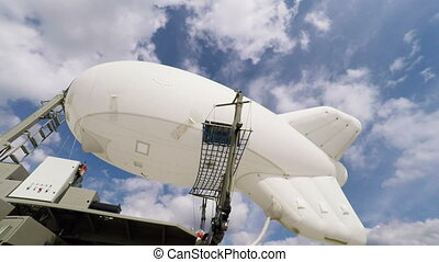 Easy airship at mooring mast rotates in the wind
