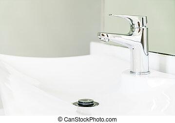 Faucet water in bathroom - Vintage filter