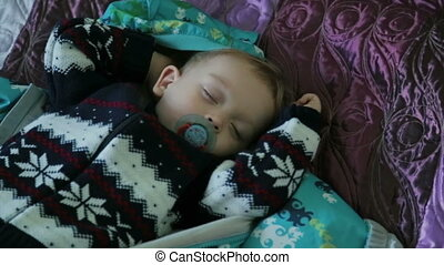 The cute sleeping boy - The sleeping boy in bed, HD