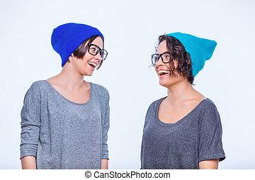 hermanas, Llevando, idéntico, accessories., ,