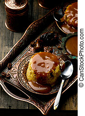 date pudding with caramel