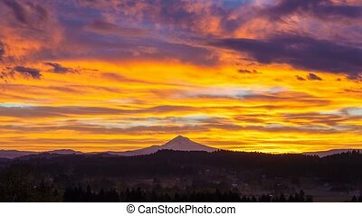 Time Lapse of sunrise in Oregon