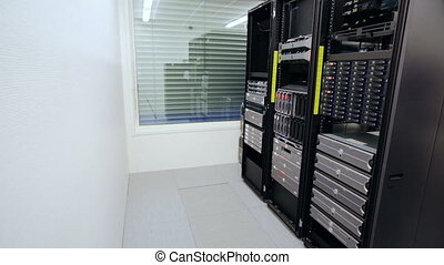 It consultant install blade server in datacenter - It...