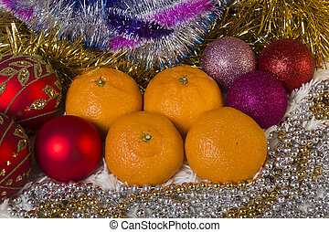 Tangerines and Christmas balls, gala set for residents...