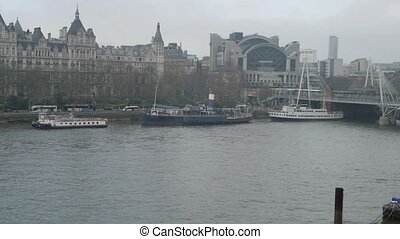london thames panorama