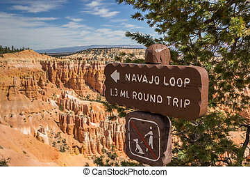 Navajo loop sign in Bryce Canyon National Park, Utah, USA
