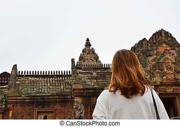 traveler on Phanom Rung castle - traveler on Phanom Rung...