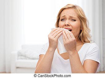 infeliz, mulher, com, papel, guardanapo, espirrando,