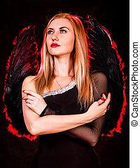 bonito, jovem, mulher, com, pretas, anjo, asas,