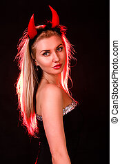 bonito, jovem, mulher, com, vermelho, Demônio, chifres,