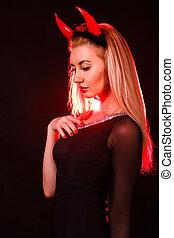 bonito, jovem, mulher, com, vermelho, Demônio,...