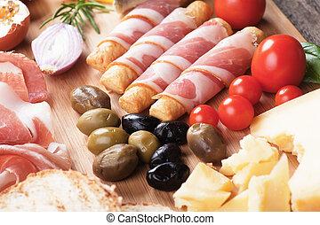 Prosciutto di Parma and other italian food