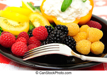 Low Calorie Berry Salad - lo-cal salad made with red and...