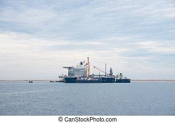 large crane vessel